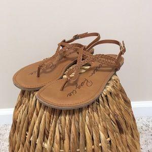 """Keira"" America Rag Cognac thong sandal! 💥"